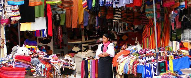 Otavalo market for Spanish students in Ecuador