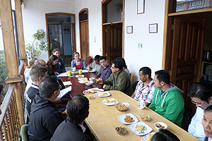 A typical Spanish class in Quito with teachers and students from Yanapuma Spanish School