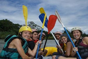 An exciting weekend excursion to Baños for Spanish students of Yanapuma - a chance to try white water rafting